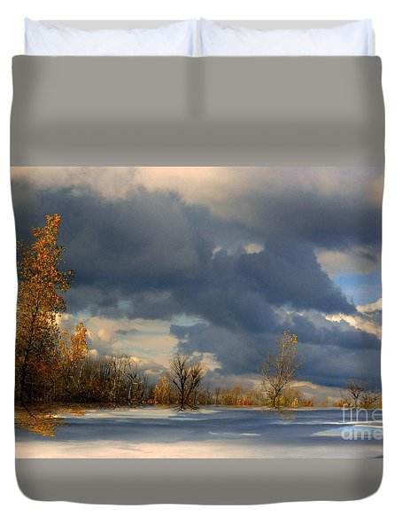 Duvet Cover featuring the photograph Autumn Skies  by Elfriede Fulda