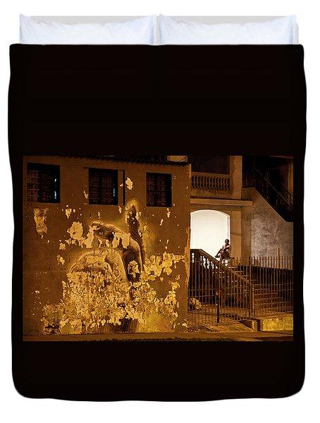 Avenue De Los Presidentes Havana Cuba Duvet Cover by Charles Harden