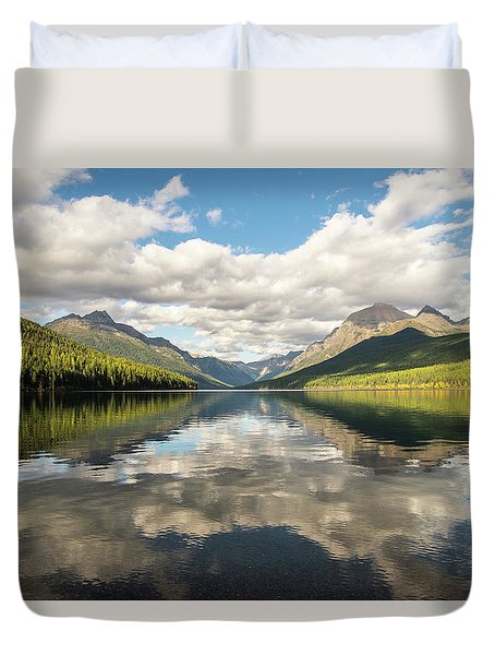Avenue To The Mountains Duvet Cover