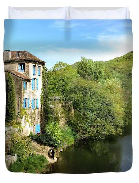 Aveyron River In Saint-antonin-noble-val Duvet Cover