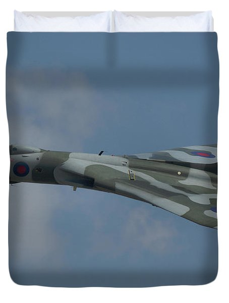 Avro Vulcan B2 Xh558 Duvet Cover by Tim Beach