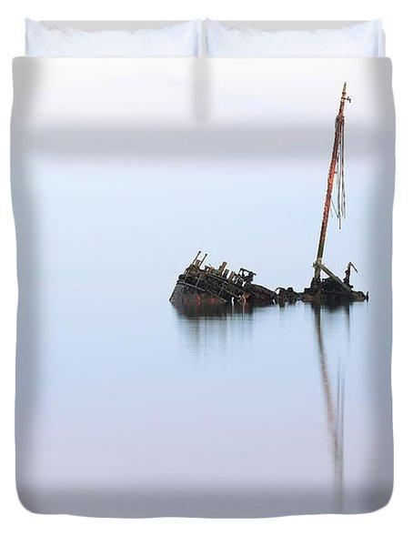 Ayrshire Shipwreck In Sunrise Ref3342 Duvet Cover