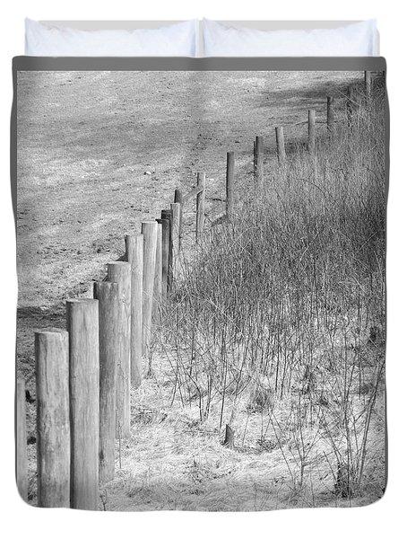 B/w Fence Post 2 Duvet Cover