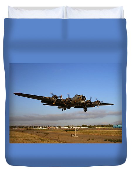 Duvet Cover featuring the photograph B17 Flying Fortress On Short Approach At Livermore Airport by John King