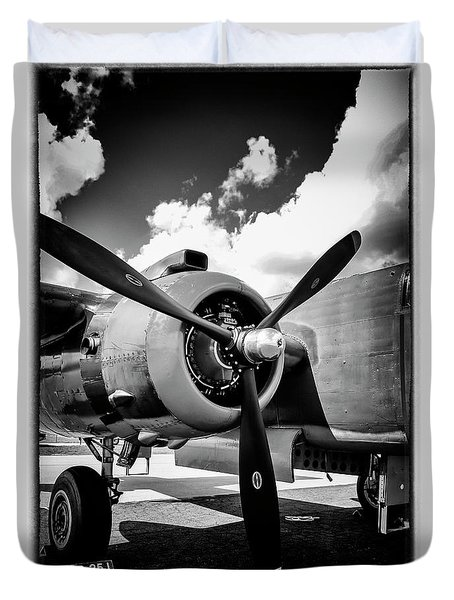B25 Radial Engine Duvet Cover