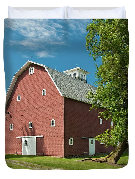 Duvet Cover featuring the photograph Babcock Barn 2259 by Guy Whiteley