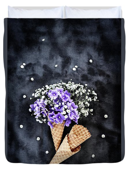 Baby's Breath And Violets Ice Cream Cones Duvet Cover