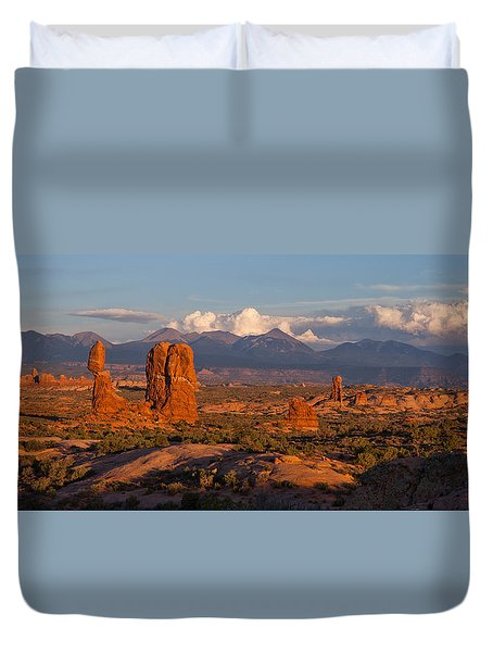 Balanced Rock And Summer Clouds At Sunset Duvet Cover
