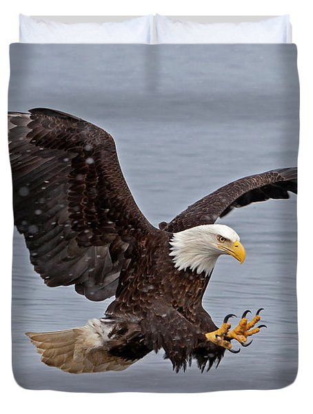 Bald Eagle Diving For Fish In Falling Snow Duvet Cover