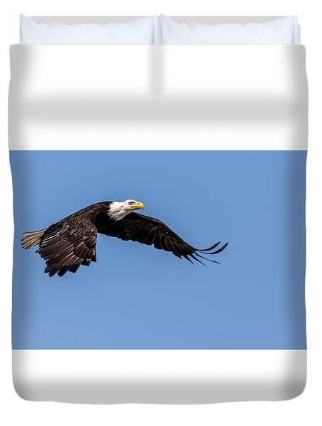 Duvet Cover featuring the photograph Bald Eagle Gaining Altitude by Rob Green