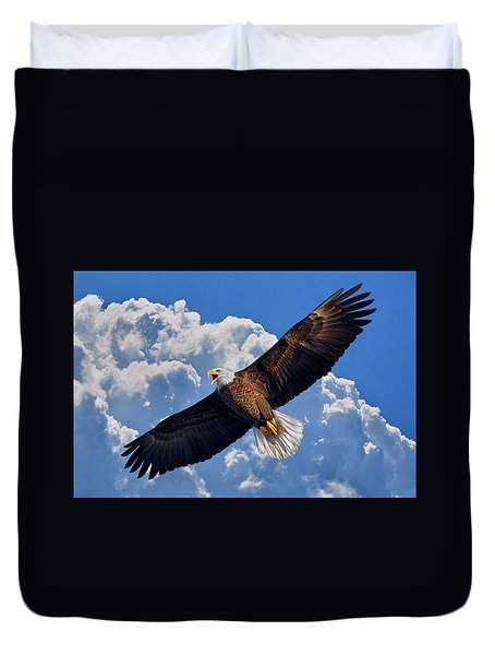 Bald Eagle In Flight Calling Out Duvet Cover by Justin Kelefas