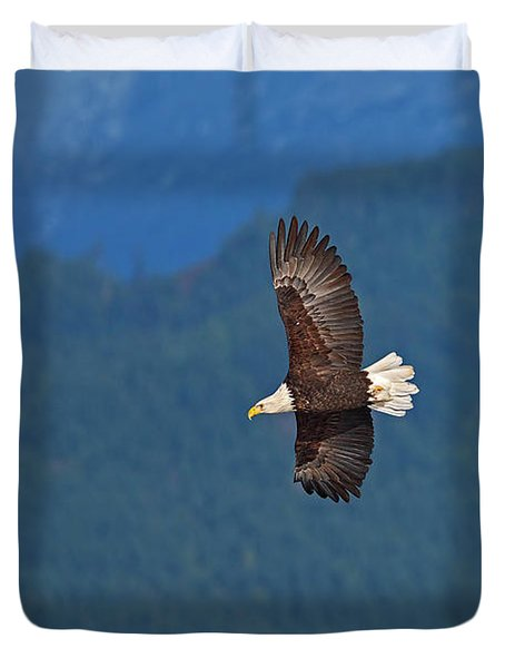Duvet Cover featuring the photograph Bald Eagle Soaring  by Sharon Talson