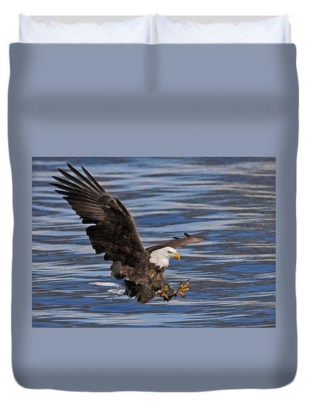 Bald Eagle Strike Duvet Cover
