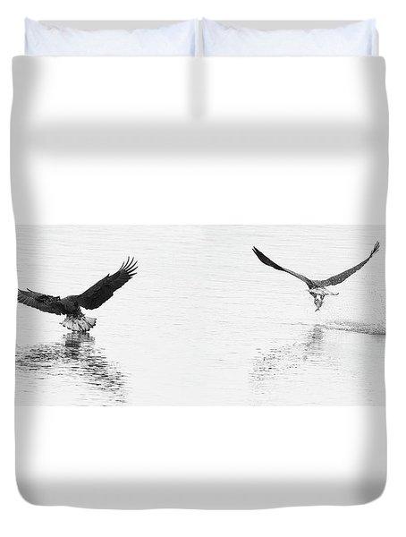 Bald Eagles Fishing Duvet Cover