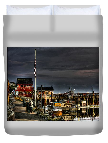 Duvet Cover featuring the photograph Bandon Boat Basin At Dawn by Thom Zehrfeld