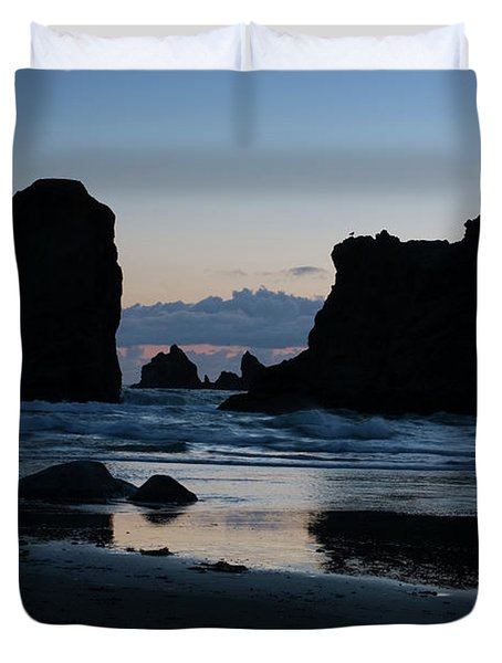 Bandon Oregon Sea Stacks Duvet Cover