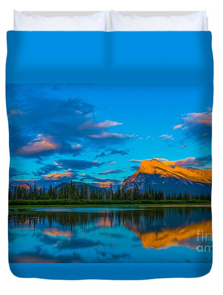 Banff Vermillion Lakes Duvet Cover