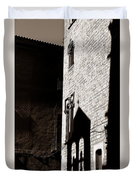 Duvet Cover featuring the photograph Barcelona 2b by Andrew Fare