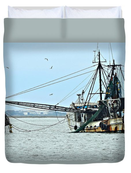 Barely Makin' Way Duvet Cover by Laura Ragland