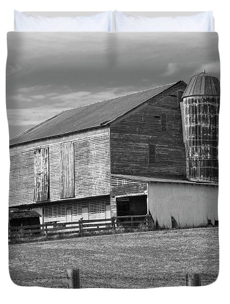 Duvet Cover featuring the photograph Barn 1 by Mike McGlothlen