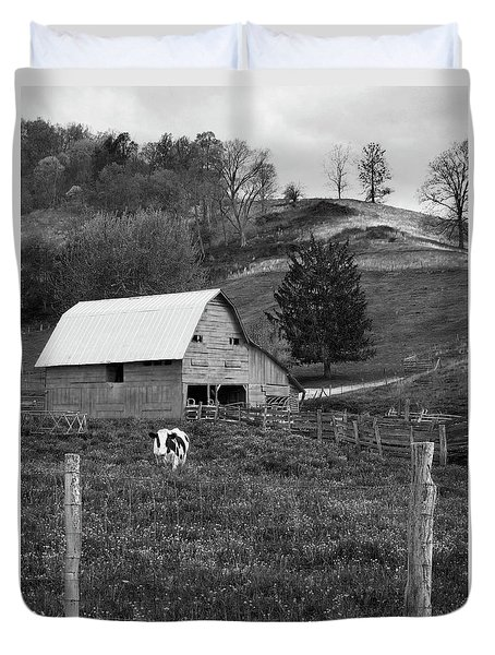Duvet Cover featuring the photograph Barn 4 by Mike McGlothlen