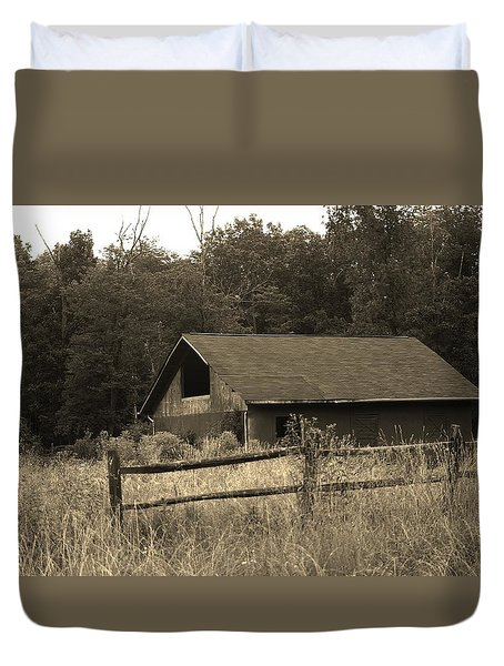 Barn And Fence Duvet Cover
