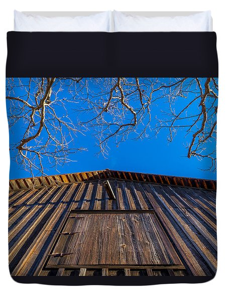 Barn And Trees Duvet Cover by Derek Dean