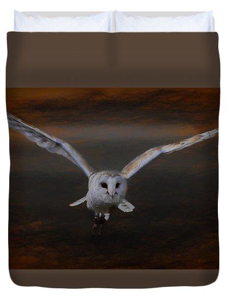 Barn Owl Drama Duvet Cover