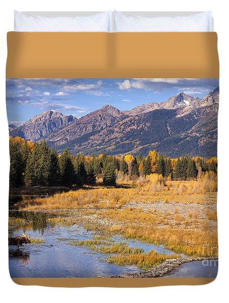 Bull In The Beaver Ponds Duvet Cover