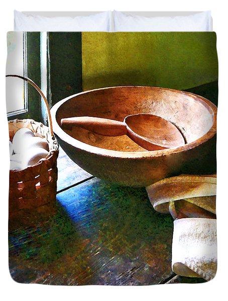 Basket Of Eggs Duvet Cover by Susan Savad