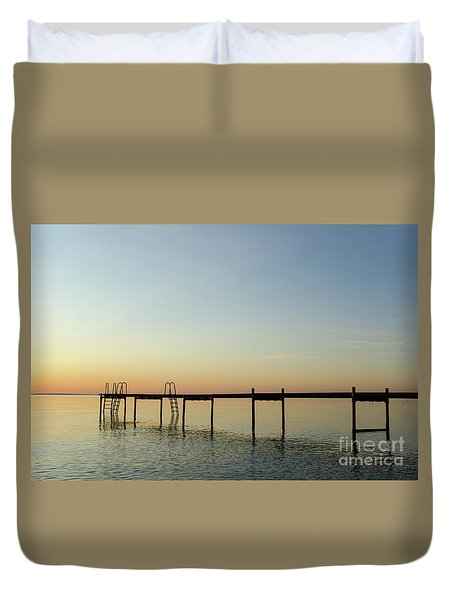 Duvet Cover featuring the photograph Bath Pier Silhouette by Kennerth and Birgitta Kullman
