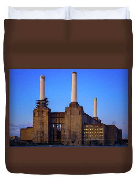Duvet Cover featuring the photograph Battersea Power Station by Stewart Marsden