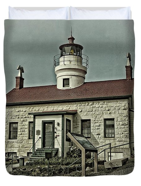 Duvet Cover featuring the photograph Battery Point Lighthouse by Thom Zehrfeld