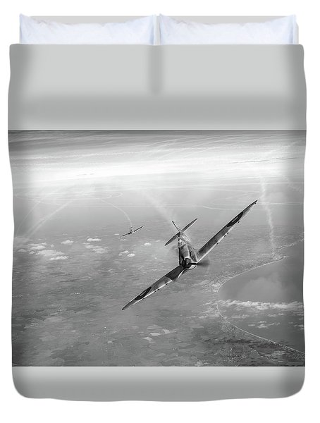 Duvet Cover featuring the photograph Battle Of Britain Spitfires Over Kent by Gary Eason