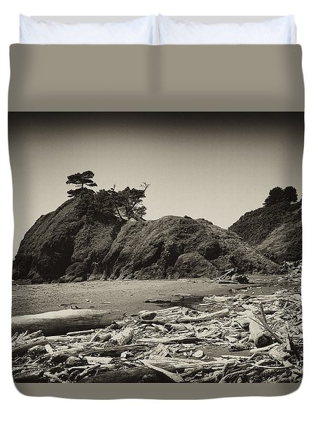 Duvet Cover featuring the photograph Battle Rock by Hugh Smith