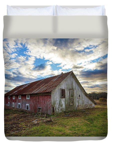 Bay Avenue Barn Duvet Cover