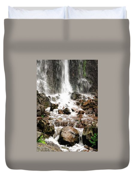 Duvet Cover featuring the photograph Bayfront Park Waterfall by Lars Lentz