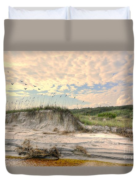 Beach Dunes And Gulls Duvet Cover by Kathy Baccari
