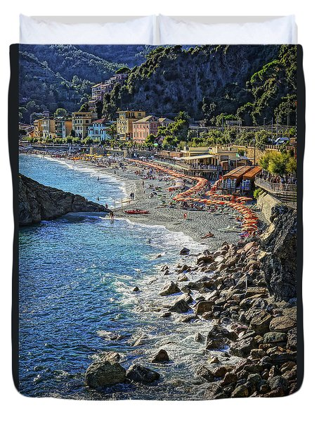 Beach Monterosso Italy Dsc02467 Duvet Cover by Greg Kluempers