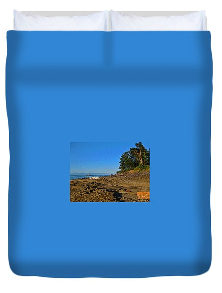 Beach Scene, Berry Point, Gabriola, Bc Duvet Cover by Anne Havard
