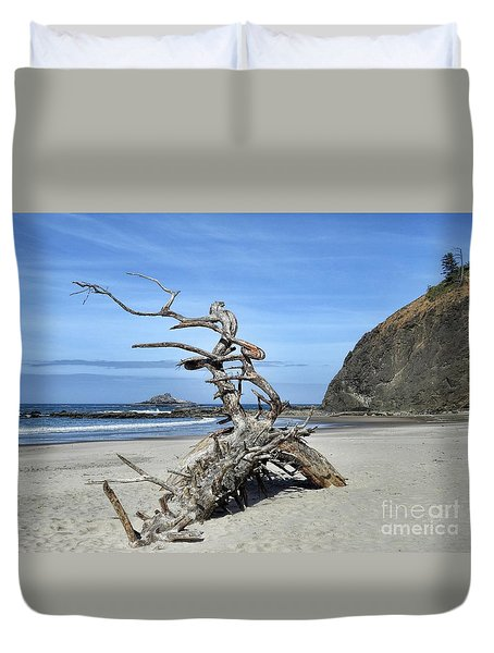 Duvet Cover featuring the photograph Beach Sculpture by Peggy Hughes