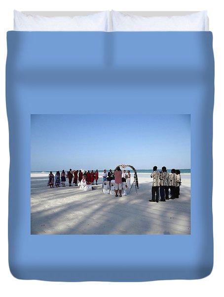 Beach Wedding In Kenya Duvet Cover