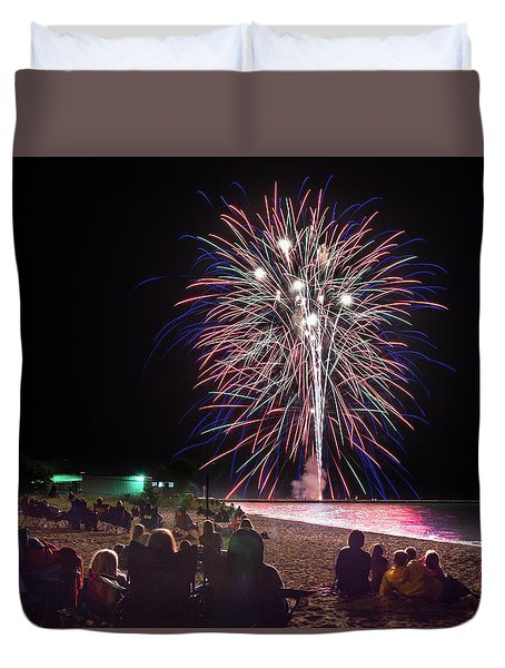 Duvet Cover featuring the photograph Beachside Spectacular by Bill Pevlor
