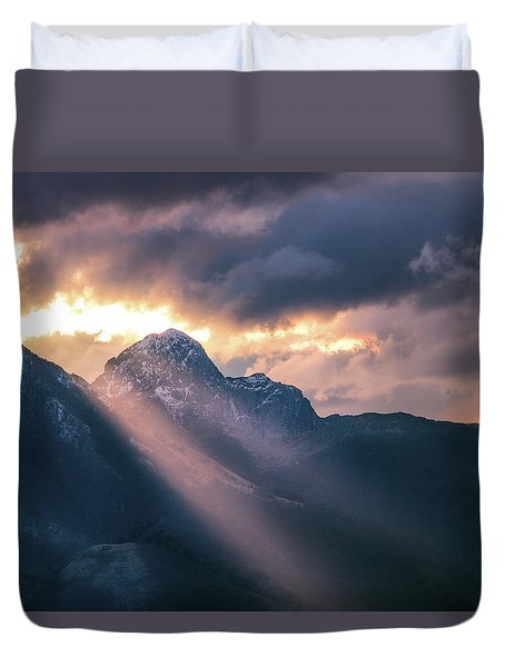 Beams Of Fire Duvet Cover