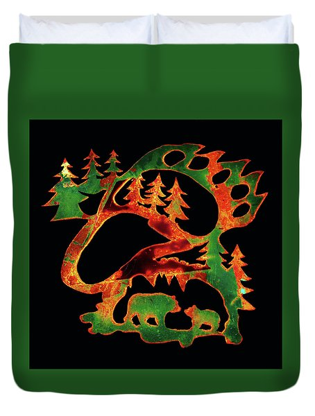 Emerald Bear Paw  Duvet Cover by Larry Campbell