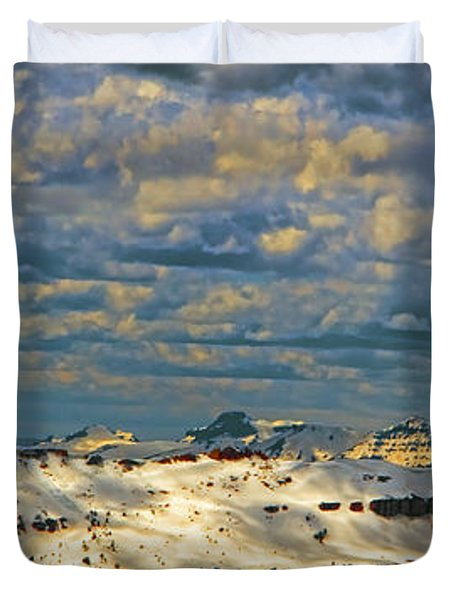 Bear Tooth Mountain Range Duvet Cover