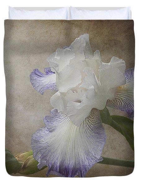 Bearded Iris 'gnuz Spread' Duvet Cover