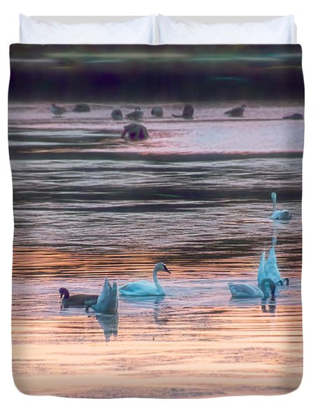 Beauties And The Geese Duvet Cover