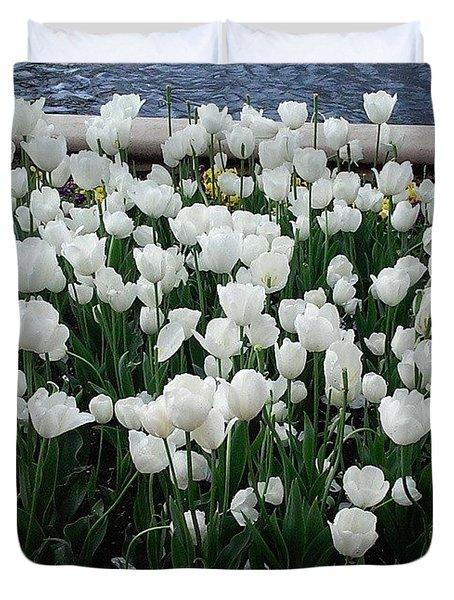 Beautiful! ❤ #flowers #flower #white Duvet Cover
