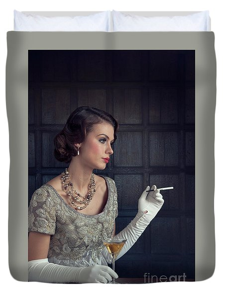 Beautiful 1930s Woman With Cocktail And Cigarette Duvet Cover